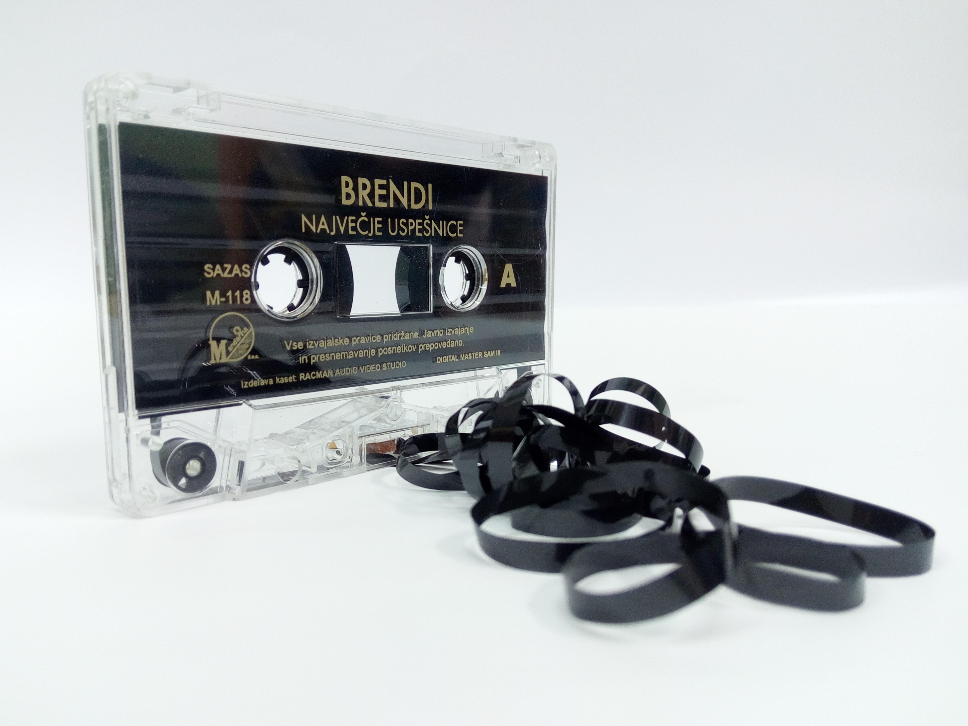 anja-semenic48d-a-kolo-glasbe
